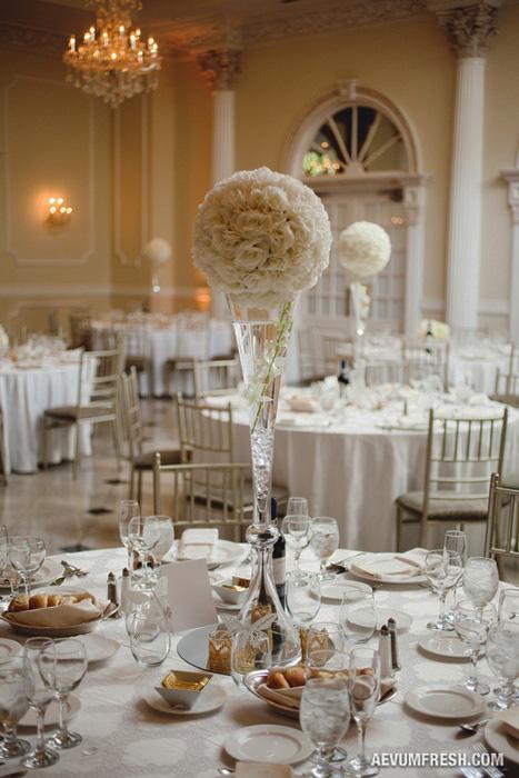 white_elegant_centerpieces